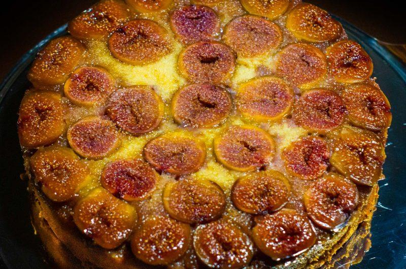 Fordított süti, friss fügével